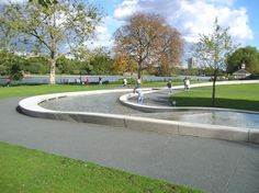 The memorial to Princess Diana is located south of Serpentine Lake in Hyde Park. Visitors come to remember the People's Princess. Prince Harry Of Wales, Princess Of Wales, Princess Diana Memorial, Beautiful London, Lady Diana Spencer, Hyde Park, London England, Attraction, Memories
