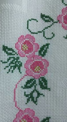 This Pin was discovered by dil Cross Stitch Borders, Cross Stitch Patterns, Prayer Rug, Embroidery Stitches, Cross Stitches, Diy And Crafts, Fashion, Cross Stitch Fruit, Embroidered Towels