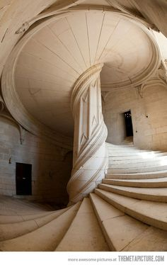 Just imagine how difficult it must have been to put this staircase together it appears to be a solid piece absolutely amazing just spectacular stairs