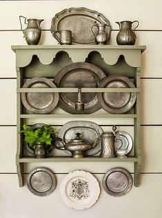 [CasaGiardino] ♛ Rustic French Vintage Decorative Pewter by shabbyfrenchvintage Plate Shelves, Plate Racks, Everything But The House, Primitive Homes, Primitive Bedroom, Primitive Antiques, Primitive Country, Home Goods Decor, Home Decor
