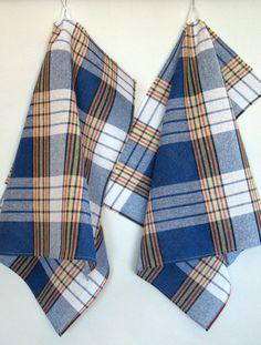 Cotton Dish Towels Green Blue Tea Towels set of 2 USD) by Initasworks Dish Towels, Tea Towels, Coton Biologique, Tapestry Weaving, Tartan Plaid, Hand Weaving, Blue Green, Cotton Fabric, Tejidos