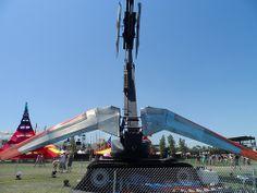 Praying Mantis, Coachella 2013 #2013Coachella #PoeticKinetics