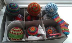 @Patricia LaChance.. these are pretty cool. Crochet Christmas Baubles