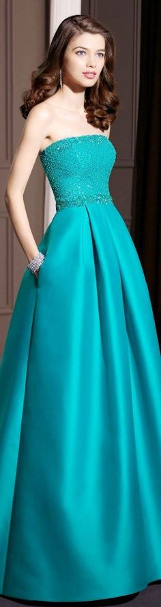 blue gown #fashion #dress #prom #beauty