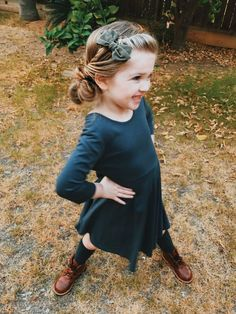 51 Pretty Hairstyles For Your Little Girl hairstyles # hairstyles - Hairstyle Collection Awesome - Baby Hair Messy Bun For Short Hair, Short Hair Updo, Messy Bun Hairstyles, Short Hair Styles, Messy Buns, Updo Styles, Long Hairstyle, Teenage Hairstyles, Baby Girl Hairstyles