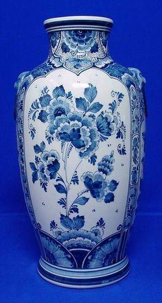 RP: Large Delft Vase Floral Blue