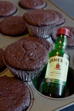 Whiskey Chocolate, Chocolate Pies, Chocolate Cupcakes, Whiskey Cupcakes, Whiskey Cake, Baking Cupcakes, Cupcake Recipes, Cupcake Cakes, Cup Cakes