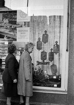 Schaufensterbummel in der DDR Repinned by www.gorara.com.Window shopping in East Germany