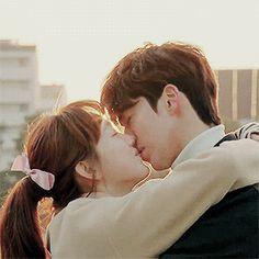 Korean Drama Romance, Kiss And Romance, Korean Drama Movies, Korean Actors, Nam Joo Hyuk Lee Sung Kyung, Jong Hyuk, Weightlifting Fairy Kim Bok Joo Wallpapers, Weightlifting Kim Bok Joo, Weighlifting Fairy Kim Bok Joo