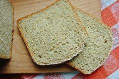 Добавление картошки в тесто творит чудеса. Хлеб получается мягкий, пышный, с упругим мякишем. Как по мне, отличная основа для бутербродов. Правда, нужно доводить…