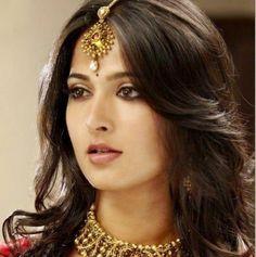 Anushka Shetty Cute Stills - Anushka Shetty
