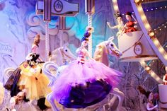 Dior Christmas Window Display at Printemps in Paris ~ The Cherry Blossom Girl Christmas Tinsel, Xmas, Cherry Blossom Girl, Christmas Window Display, Store Windows, Window Art, City Streets, Store Fronts, Cinderella