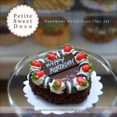 Miniatura Choco Fudge Cake con Oreo y Por PetiteSweetDeco en Etsy
