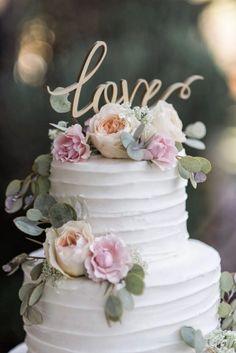 Piękny tort weselny - William Innes Fotografia
