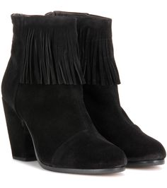 Rag & Bone - Newbury Fringe suede ankle boots - Downtown-cool outfits call for perfectly styled boots, and we love this contemporary fringed version from Rag & Bone to add a dose of bohemian-chicness to every ensemble. The Newbury Fringe pair are crafted from supple black suede with a chunky heel and panelled silhouette for seriously cool results. - @ www.mytheresa.com