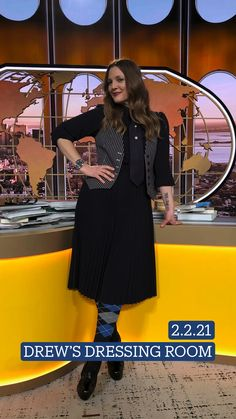 Drew Barrymore Style, Elie Tahari, Dressing Room, Chunky Heels, Girl Crushes, Business Casual, Celebrity Style, Outfit Ideas, Socks