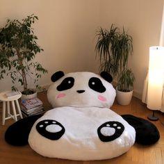pillow- XXL Panda-Kissen This is how you make a giant panda bed step by step. - panda pillow- XXL Panda-Kissen This is how you make a giant panda bed step by step. Panda Love, Cute Panda, Panda Bear, Baby Pillows, Kids Pillows, Panda Pillow, Bed Steps, Cot Quilt, Ideias Diy