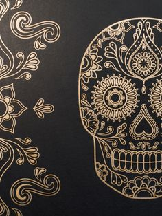 Detail of mexican day of the dead sugar skull wallpaper black & gold anatomy boutique Sugar Skull Tattoos, Sugar Skull Art, Sugar Skulls, Mexican Skulls, Mexican Art, Sugar Skull Wallpaper, Totenkopf Tattoos, Day Of The Dead Skull, Candy Skulls