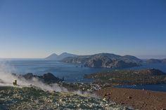 Sul Gran Cratere di #Vulcano #Eolie - Il blog tour #eolietour13 organizzato da Imperatore Travel alle Isole Eolie  #eolietour13 -> http://www.imperatoreblog.it/2013/09/06/eolie-blog-tour-2013/  Tour -> http://www.imperatore.it/Sicilia/Tour-Prestige-Isole-Eolie-6-Isole-in-8-Giorni-7-notti-partenze-di-sabato-estivo/