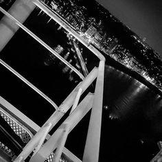 Instagram【miyabi.misery】さんの写真をピンしています。 《#夜空 #空 #夜景 #夜景ら部 #神奈川カメラ部 #灯台 #江ノ島 #landscape #landscapelovers #landscape_captures #night_captures #nightsky #nightview #nightscene #ig_nightphotography #Lighthouse #nikon #nikonp900 #nikonphotography》