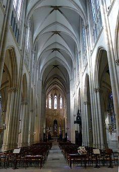 Basilique Sainte-Clotilde-et-Saint-Valère. Paris 7