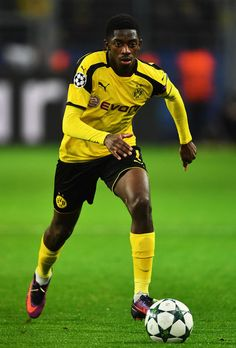 Ousmane Dembélé of Dortmund in action during the UEFA Champions League match between Borussia Dortmund and Legia Warszawa at Signal Iduna Park on November 22, 2016 in Dortmund, North Rhine-Westphalia.