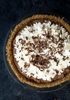 This French Silk Pie with graham cracker crust is perfectly creamy and full of the rich chocolate flavor that everyone loves! Chocolate Pies, Homemade Chocolate, Chocolate Flavors, Chocolate Recipes, Silk Chocolate, Chocolate Curls, Homemade Desserts, Easy Desserts, Dessert Recipes