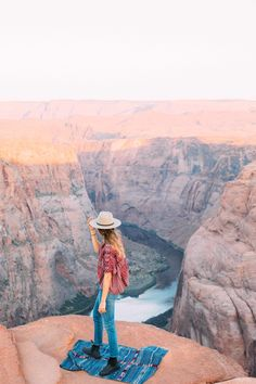 New travel usa photography grand canyon ideas Posing Ideas, Art Illustration Vintage, Canada Winter, Usa Tumblr, Utah, Adventure Is Out There, Travel Goals, Travel Photography, Grand Canyon Photography