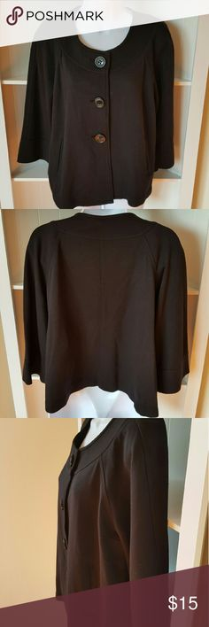 🍁GAP JACKET🍁 BLACK LONG SLEEVE GAP JACKET PERFECT FOR THE OFFICE ALWAYS COLD!  LIGHT WEIGHT  SIZE LARGE  3 BUTTON CLOSURE SIGNS OF WEAR  NO VISABLE DAMAGE TO MATERIAL  NO TRADES USE OFFER BUTTON ☟ GAP Jackets & Coats