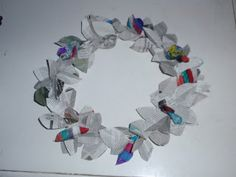 Newspapers wreath - make the leaves from magazines
