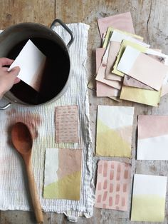 How to dye paper with natural dyes – Rebecca Desnos Tinta Natural, Natural Dye Fabric, Natural Dyeing, Paper Art, Paper Crafts, Fabric Paper, Foam Crafts, Fabric Painting, How To Dye Fabric