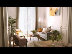 HOUSE TOUR: Un piso con mucho estilo - YouTube Home Tv, Neutral Palette, House Tours, Oversized Mirror, Barcelona, Inspiration, Furniture, Home Decor, Living Rooms