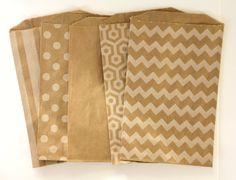 PICK ANY DESIGN - 25 Kraft Bags (Treat Bags, Favor Bags, Gift Wrap, Envelopes) - 5 x 7.5 inches