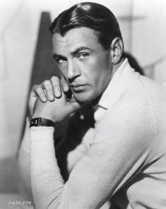 May 1961 - Gary Cooper (né Frank James Cooper) died at age 60 in Beverly Hills, Los Angeles, California Hollywood Men, Golden Age Of Hollywood, Vintage Hollywood, Hollywood Stars, Classic Hollywood, Hollywood Cinema, Gary Cooper, Cary Grant, John Wayne