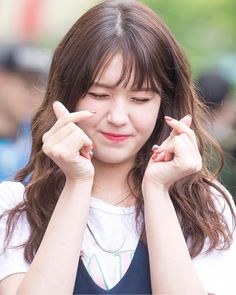 『Somi 最近の活動まとめ』 Shin Se Kyung, Korean Beauty Girls, Jeon Somi, Tiny Heart, Ioi, Girls Dpz, India Beauty, Kpop Girls, Jessie