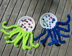 paper plate and pom pom octopus craft for kids