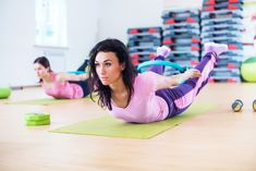 Want a flat belly, but you have no time for the gym? We've got you covered with the best 5 at home ab exercises you need to be doing.
