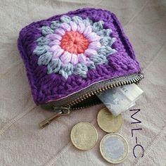 Well # love it # Small # and # practical! Crochet Wallet, Crochet Coin Purse, Free Crochet Bag, Crochet Diy, Crochet Motifs, Crochet Tote, Crochet Cross, Crochet Handbags, Crochet Purses