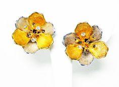 Rinestone Flower Earrings - Clip on Earrings - Gold Tone - Silver Tone - Multi Colred Rhinestones - Retro Pre 1998 Vintage Earrings - floral #jewelry #vintage #fashion #etsyretwt #jewellery #etsy