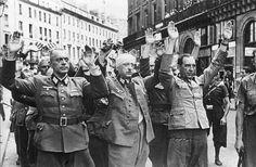Henri Cartier-Bresson German Soldiers Surrender Upon the Liberation of Paris 1944 Henri Cartier Bresson, Marie Curie, Liberation Of Paris, Ernesto Che Guevara, Karl Marx, The Third Reich, Vintage Paris, Modern History, Magnum Photos
