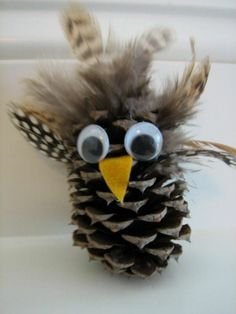 Christmas Decorations with Pine Cones - Wonderful DIY Ba .- Weihnachtsdeko basteln mit Tannenzapfen – Wundervolle DIY Bastelideen Make Christmas decorations with pine cones – DIY Craft Ideas – Pine cones Make decorations - Pine Cone Christmas Tree, Kids Christmas, Christmas Crafts, Pine Cone Decorations, Christmas Decorations To Make, Craft Decorations, Diy Crafts For Kids, Arts And Crafts, Craft Ideas