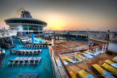 Royal Caribbean Cruise, Navigator of the Seas - Sunset at Sea