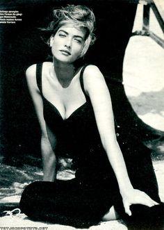 Vogue US - Linda Evangelista, Tatjana Patitz, Christy Turlington, Estelle Lefebure, Karen Alexander, Rachel Williams - Aug 1998