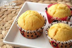 I muffin al limone sono semplici deliziosi e tanto profumati. Se vi piacciono i muffin poi provate le tante altre ricette da noi preparate come quelle dei muffin alla ricotta o dei muffin al cioccolato. Pancake Muffins, Lemon Muffins, Pancakes, Mini Desserts, Dessert Recipes, Cop Cake, My Favorite Food, Favorite Recipes, Something Sweet