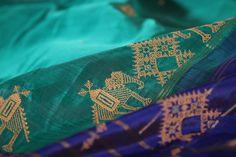 The medley of kasuti embroidery on the kanjivaram weave creates an intriguing new language within the bold framework of the drape. #kanakavalli #lovekanakavalli #kasuti #kanjivaram #silk #sari #embroidery #handloom #india