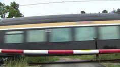 Souprava LEO Express se prohání v terénu