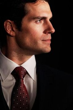 Henry Cavill Looks Like James Bond In 'The Man From U.N.C.L.E' Photo; Agent 'Napoleon Solo' Commends Co-Actors In Guy Ritchie's Film - http://asianpin.com/henry-cavill-looks-like-james-bond-in-the-man-from-u-n-c-l-e-photo-agent-napoleon-solo-commends-co-actors-in-guy-ritchies-film/
