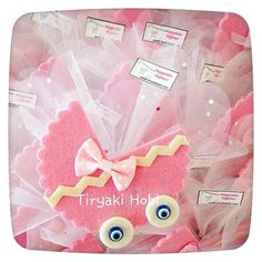 tiryakihobi uploaded this image to 'bebek sekeri/dolgusuz'. See the album on Photobucket. Baby Shower Crafts, Baby Shower Niño, Baby Shower Parties, Baby Favors, Birthday Favors, Baby Shower Favors, Baby Shawer, Felt Baby, Felt Crafts