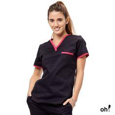 🎊 Viernes que te quiero viernes 🎊 volvió ʟᴏʟᴀ sᴘᴀɴᴅᴇx ᴀᴢᴜʟ ᴄᴏɴ ғᴜᴄsɪᴀ, una de nuestras combinaciones favoritas! Doctor Scrubs, Medical Scrubs, Polo Shirt, Polo Ralph Lauren, Suits, Mens Tops, How To Wear, Caregiver, Yule