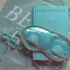 zarte Tiffany blau satin Schlafmaske mit einem von Pinklooklike
